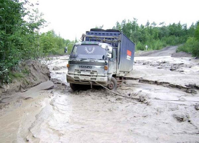 truck stuck in mud (5) 1