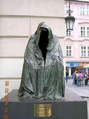 Interesting Statues From Around The World (36) 17