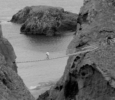 Carrick-a-Rede+Rope+Bridge+1%5D.jpg