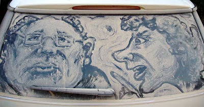 Painting on car windows using dirt (11) 17
