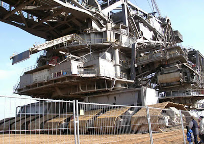 World's Largest Digging Machine (6) 3