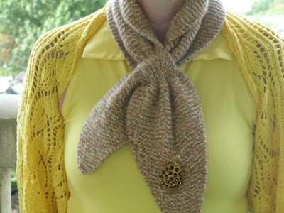 30 Clever And Smart Scarf Designs (30) 25