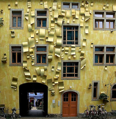Impressive Court of Kunsthof Dresden (14) 12