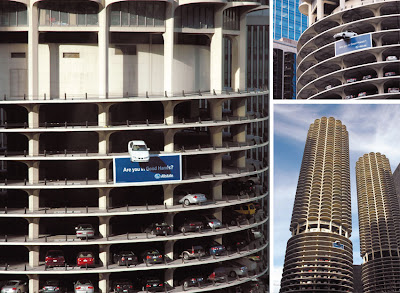 24 Clever and Creative Advertisements on Buildings (25) 1