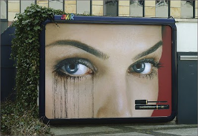 Max Factor's Rain-Sensitive Billboard (2) 2