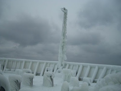 Frozen Ships (12) 11