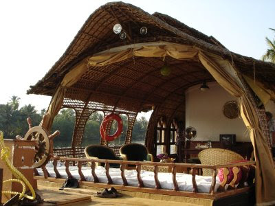 Houseboats (12) 1