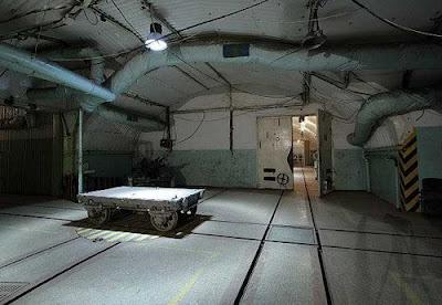 Soviet Underground Submarine Station (20) 9