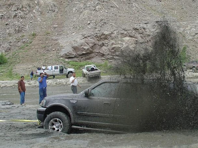 Cars Confronting Mud (9) 4