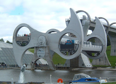 The Only Rotating Boatlift In The World - The Falkirk Wheel (11) 2