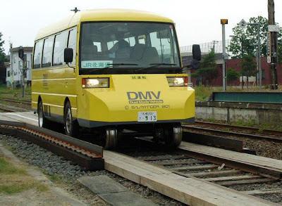dual-mode vehicle - train and bus