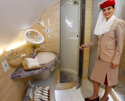 Fly and Shower on Emirates' A380s (2) 2