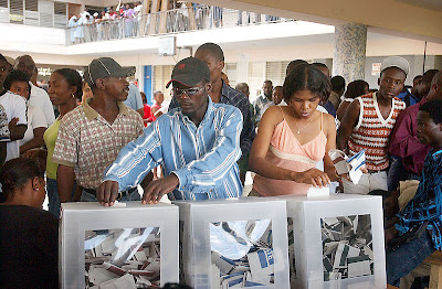 Ballot Boxes And Electronic Voting Machines From All Over The World (27) 8