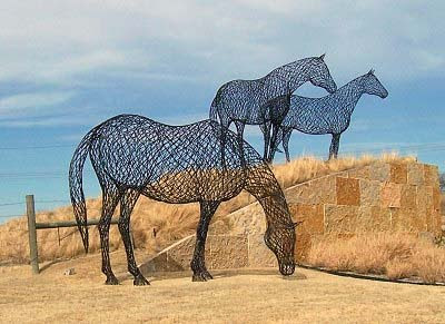 Wire Sculptures From Around The World (36) 2
