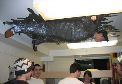 Cool and Creative Uses of Duct Tape (37) 19