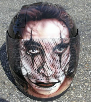 20 Cool and Creative Motorcycle Helmet Designs (20) 20