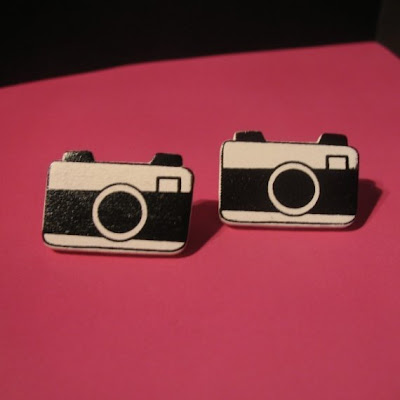 18 Creative and Cool Camera Earrings (18) 4