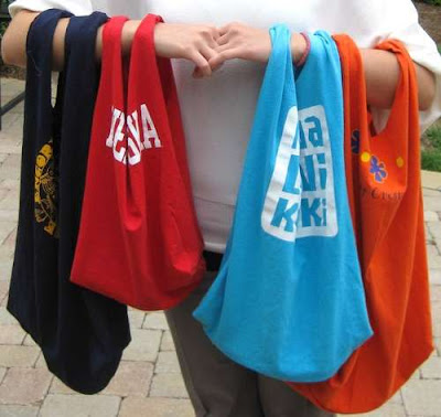 15 Creative and Cool Ways to Reuse Old T-Shirts (15) 11