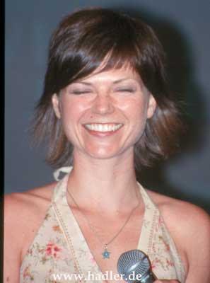 Nicole De Boer