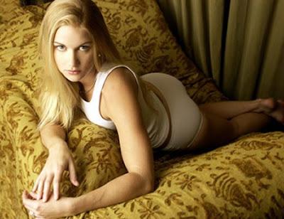 Nicole Rayburn