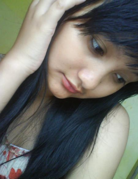 http://4.bp.blogspot.com/_NqjTc-SnnSg/TTU8PDYExdI/AAAAAAAAACQ/13deJXod0KQ/s1600/gadis-imoet-manis-senyum-08.jpg