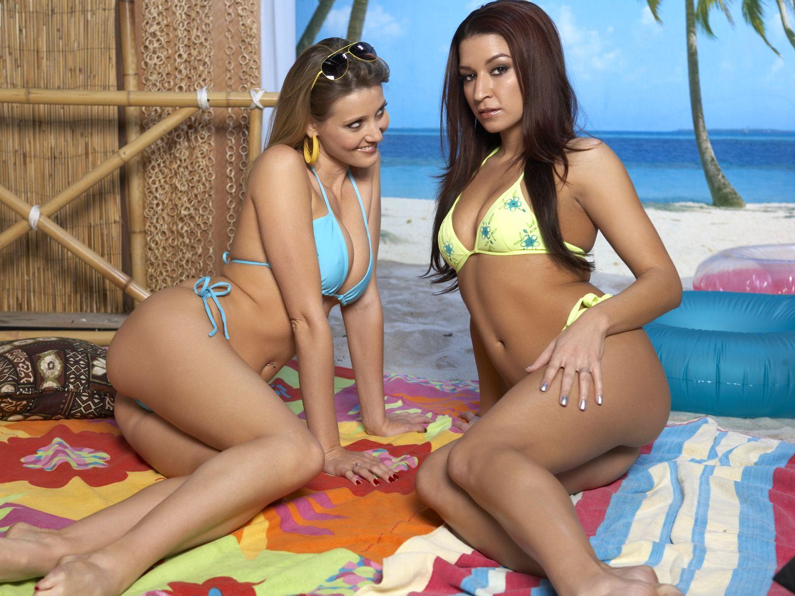 Фото молодых девушек в купальниках 17 фотография