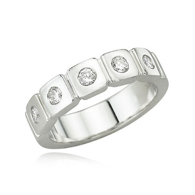 white gold wedding band - *RiNgS*