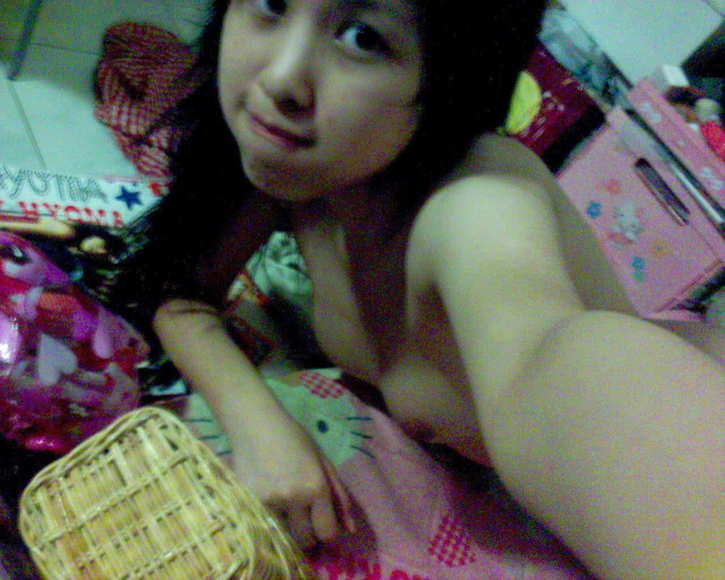 akoTUBE.com bata per mabuhok but sariwa 2 1024x819 View free nude celeb videos and celeb pics instantly.