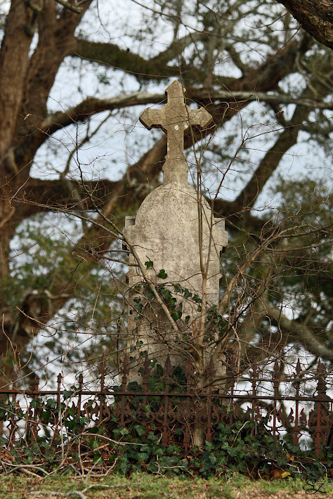 Old Stone Cross, Cedar Hill Cemetery, Vicksburg