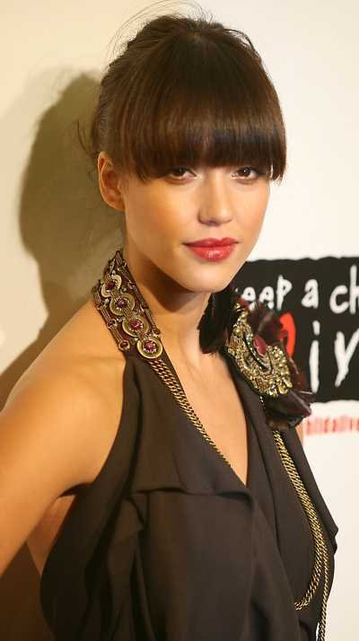 selena gomez hairstyles with bangs. selena gomez haircut with