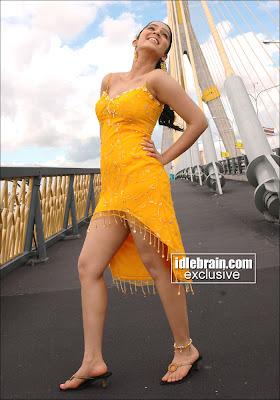 Telugu Actress Charmi reveals sexy thighs image 10