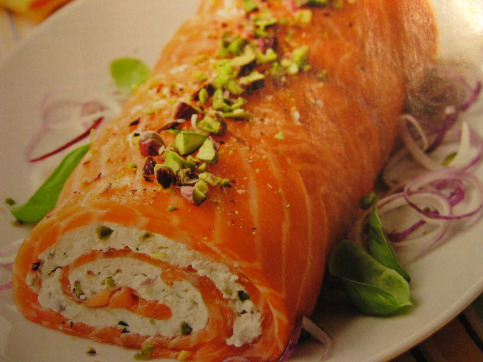 Tasty Makes Happy: Smoked Salmon Roll