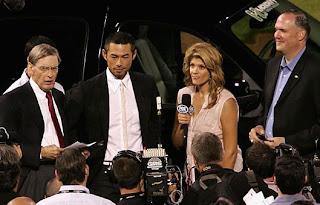 Ichiro Suzuki accepts Chevy Tahoe Hybrid MVP Award