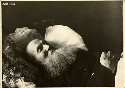 Imagen: el funeral de Kropotkin