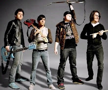 Fall Out Boy (L)