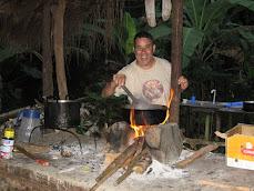 Amin con su nueva cocina