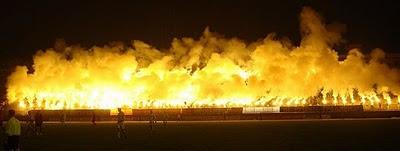 احتفالات الجماهير في مدرجات كرة القدم-غرائب وعجائب-منتهى