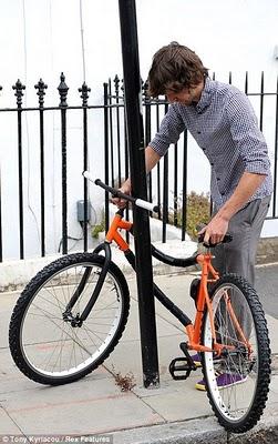 بريطاني يخترع دراجة ضد السرقة-ابداعات البشر-منتهى