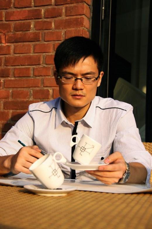 فنجان للقهوة منعدم الجاذبية-ابداعات البشر-منتهى