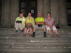 Met Elke en Adrien op de trappen in Santiago