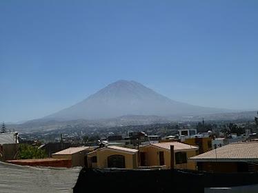 """Volcán. Volcano. """" Misti""""."""