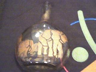 garrafa com elefantes