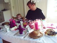 Sommarfrukost för ett födelsedagsbarn