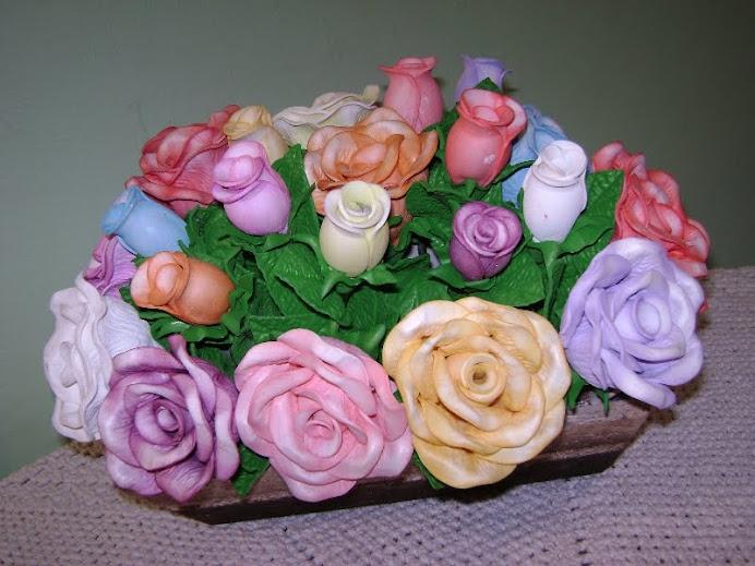 Rosas Médias e Botões.
