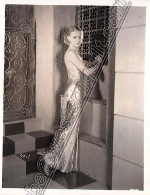 Gloria Frances Stuart nasceu em Santa Mônica, Califórnia no dia 04