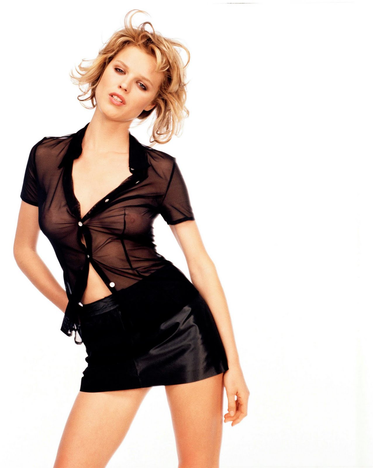May 02, · These 20 style tips on how to wear sheer shirts will ensure you do more with your see-through tops than just pair them with a tank. Check out these outfit ideas for some style inspiration: Wear a black tank under a white lace shirt for a cool contrast.