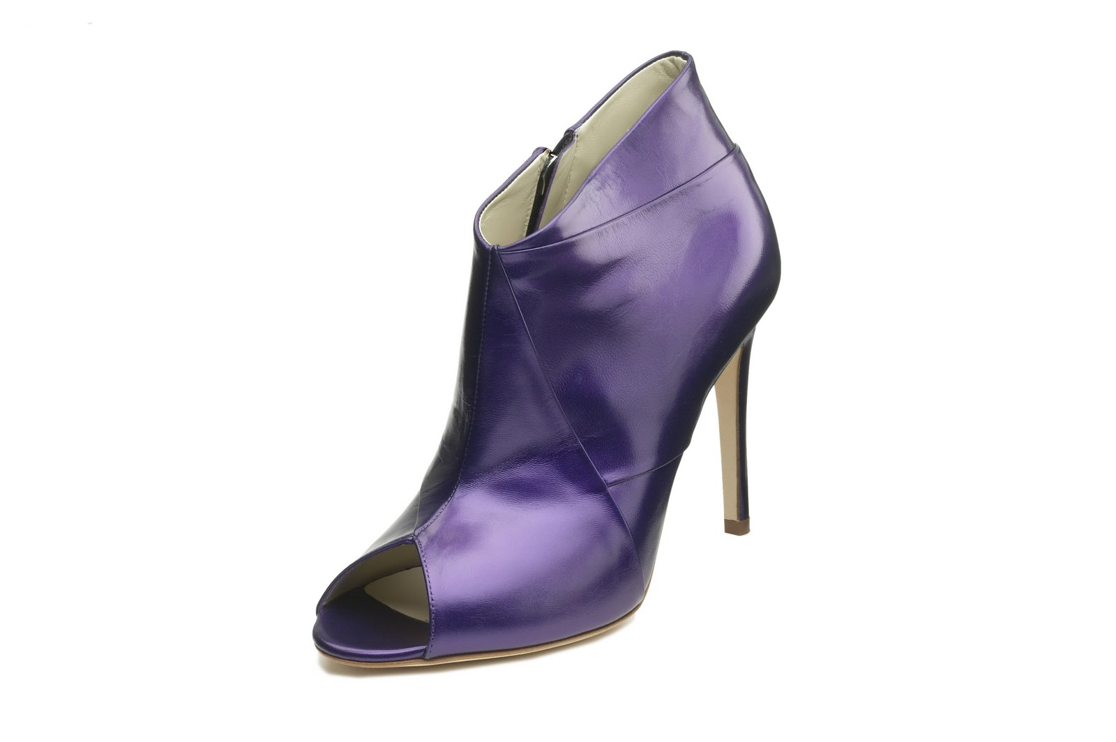 http://4.bp.blogspot.com/_O04YXmRrX3I/TLpF86KeTNI/AAAAAAAAAlU/zJcfozrv6Po/s1600/Rupert_Sanderson_Alcazar_9-830_purple17_calf.jpg