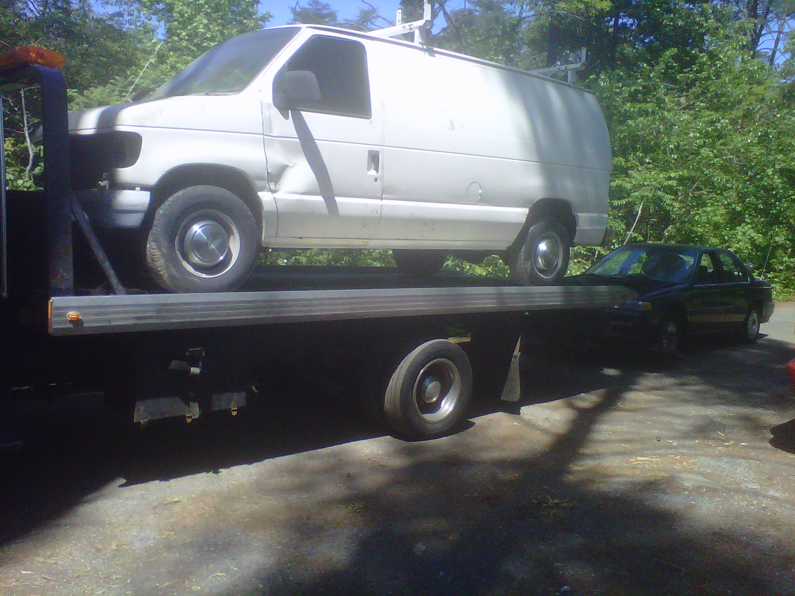 Junk cars and trucks towed away FREE. CASH in check our price list ...