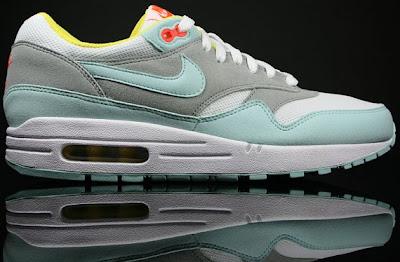 Female Sneaker Fiend: Nike Women Air Max 1 Julep/White/Matte Silver