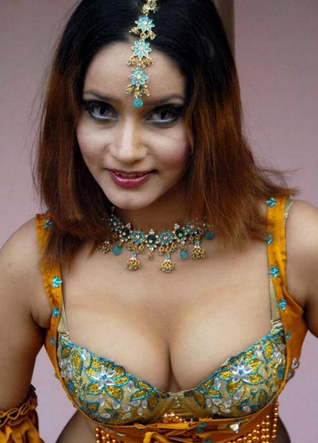 Anu Agarwal Nude Photos 80